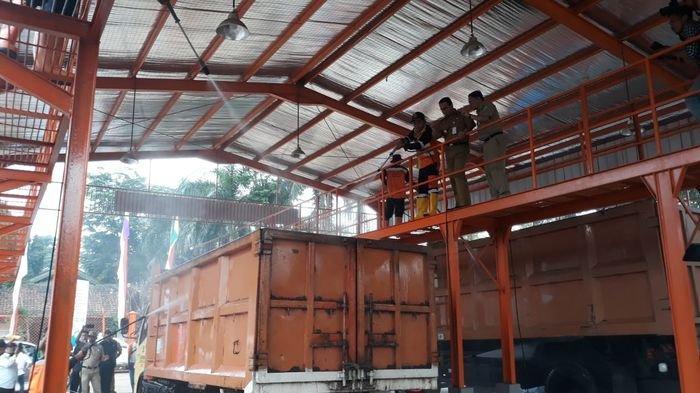 DKI Pinjamkan 55 Truk Sampah Bekas ke Kota Bekasi