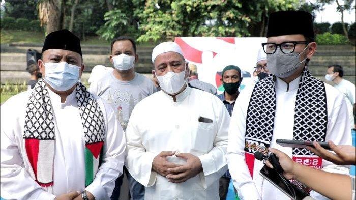 Gelar dioa bersama di Taman Ekspresi Sempur, Kota Bogor dukung hentikan agresi Israel ke Palestina dan berharap terwujudnya kemerdekaan Palestina.