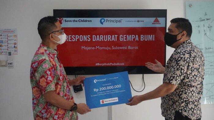 FOTO : PT Principal Asset Management Beri Donasi untuk Penyintas Gempa Sulbar