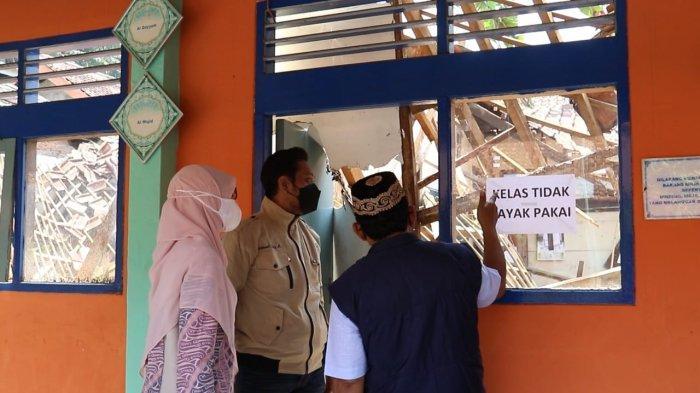 Ambruk Jelang PTM, Komisi IV DPRD Kota Bogor Langsung Sidak SDN Otista