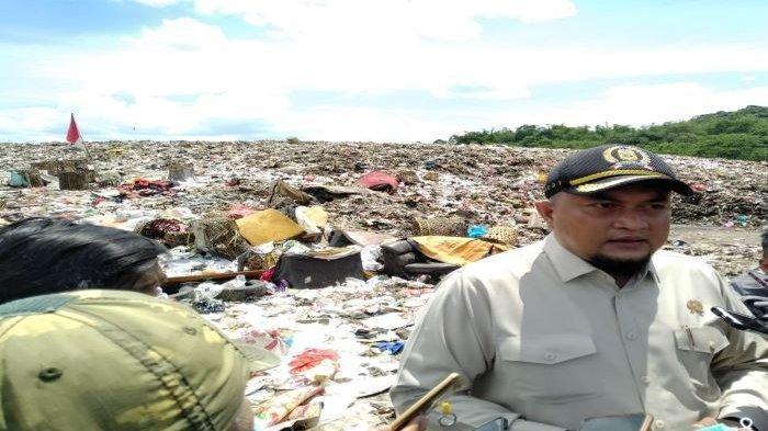 Atasi masalah sampah, DPRD Kabupaten Bogor minta Pemkab Bogor fokus bentuk bank sampah.
