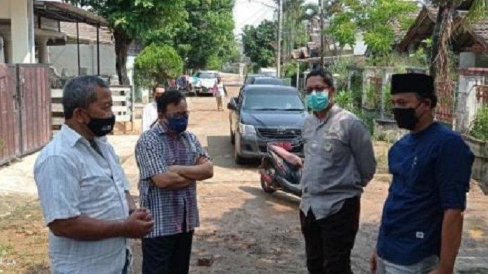 Anggota DPRD Kota Bekasi Tinjau Titik Tanggul Bocor di Jatirasa