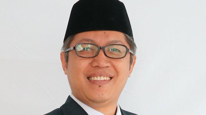 Dadang Iskandar Danubrata, SE