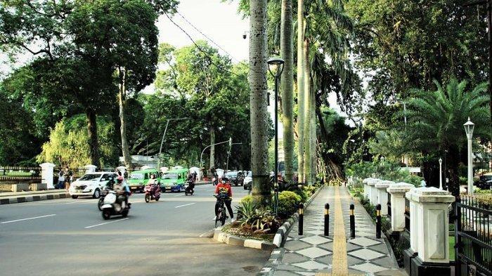 DPRD Kota Bogor bersama Pemerintah Kota Bogor telah mengesahkan Rancangan Peraturan Daerah (Raperda) inisiatif DPRD tentang Penyelenggaraan Perlindungan Penyandang Disabilitas, menjadi Peraturan Daerah (Perda) pada Rapat Paripurna DPRD Kota Bogor, Jum'at  (12/3/2021).