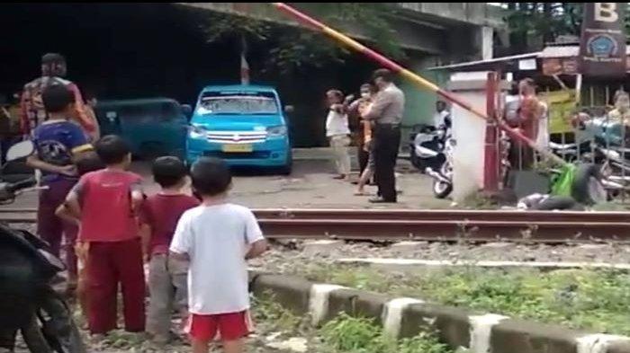Driver Ojol asal Depok di Tewas Tersambar KRL Nambo-Tanah Abang di Cibinong, Kabupaten Bogor
