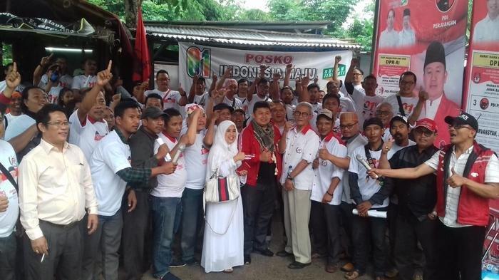 Driver Taksi Online di Depok Ingin Jokowi Teruskan Dukungan Terhadap Usaha Berbasis Aplikasi