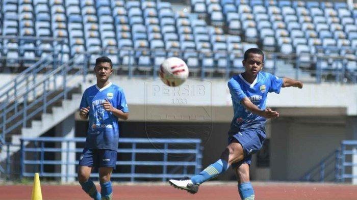 Gelandang Persib Bandung Ardi Maulana Tak Sabar Jalani Debut di Liga 1 2020
