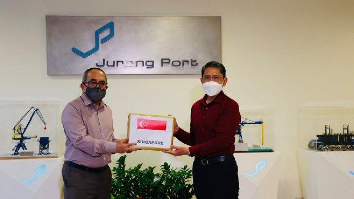 Singapura Kirimkan Bantuan 122.400 Dosis Vaksin AstraZeneca untuk Kepulauan Riau