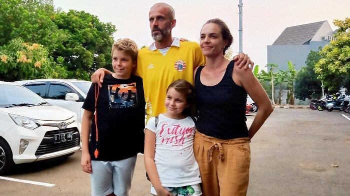 Asisten Pelatih Persija Jakarta Boyong Keluarga dari Spanyol untuk Tinggal di Jakarta