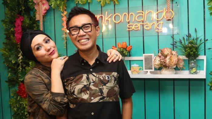 Eko Patrio dan Viona Rosalina di WarunKomando yang dibuka di Kota Serang, Banten, Sabtu (4/5/2019).