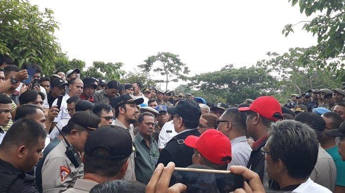 Tuntut Eksekusi Putusan MA, Ahli Waris 7 Hektar Lahan di Srengseng Dihalau Satpol PP