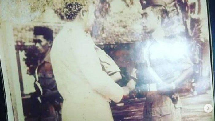 Tulang Punggung Istri Ajudan Pribadi Soekarno Retak di Usia 93 Tahun, Jokowi Serahkan Bantuan