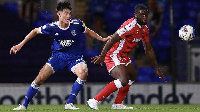 Elkan Baggott debut di EFL bersama Ipswich Town saat melawan Gillingham FC