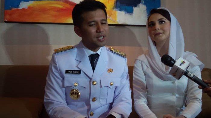 Emil Elestianto Dardak dan Arumi Bachsin di Hotel Borobudur, Sawah Besar, Jakarta Pusat, jelang pelantikan Gubernur dan Wakil Gubernur Jawa Timur di Istana Merdeka, Jakarta, Rabu (13/2/2019).