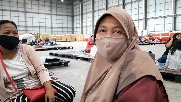 Dua Hari Dilanda Banjir, Eti dan Keluarganya Pilih Kontrak Rumah di Kampung Sebelah