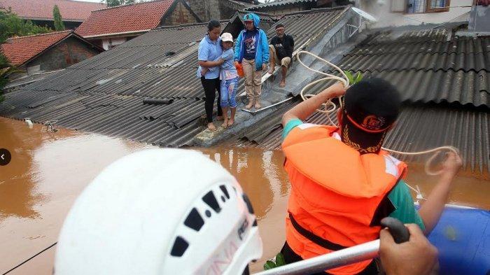 Banjir di Jakarta Telan 3 Orang Tewas, 1 Korban Meninggal karena Kedinginan, 1 Belum Ditemukan