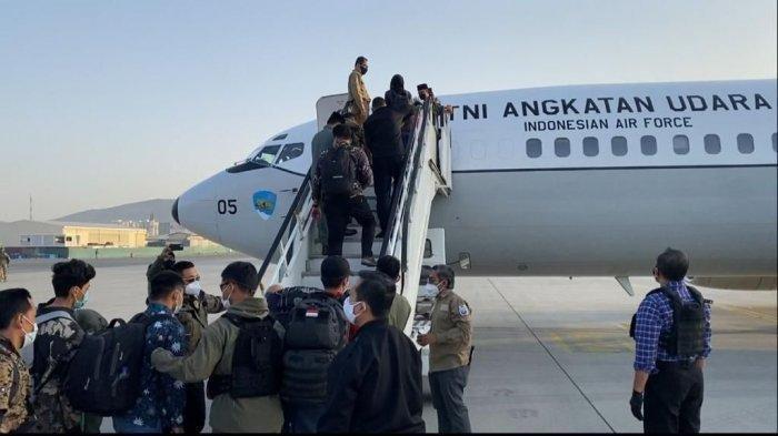 Cerita 72 Jam Awak Pesawat Skadron Udara 17 Mengevakuasi WNI dari Afghanistan