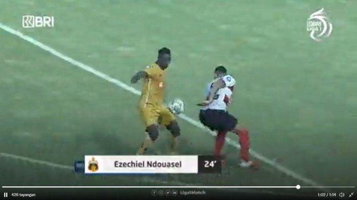 Sedang Berlangsung Via Live Streaming Bhayangkara vs Madura United 1-0, Gol Ezechiel N'Douase