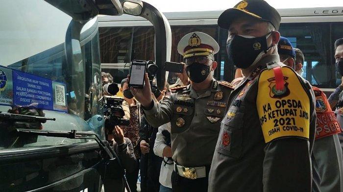 Irjen Fadil Imran Pantau Terminal Bus Terpadu Pulogebang saat Larangan Mudik Mulai Berlaku