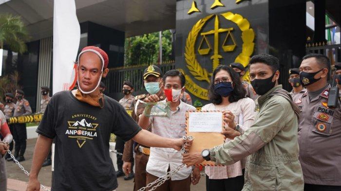 Serahkan Tikus Putih,Ratusan Anggota Fakta Maluku Desak Kejagung Periksa Temuan BPKP Maluku