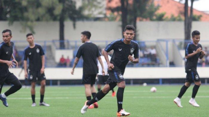 Gelandang PSIS Semarang Fandi Eko Utomo Yakin Timnya Bisa Kalahkan Persija di Indomilk Sport Center