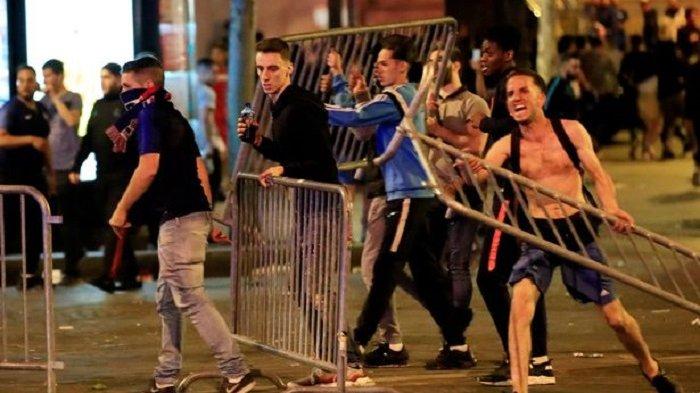 Euforia Suporter Prancis Berujung Kerusuhan