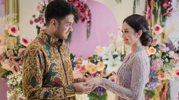 Faradilla Yoshi dan Bryan McKenzie Siap Menikah, Namun Mengapa Rencana Pernikahan Itu Harus Ditunda?