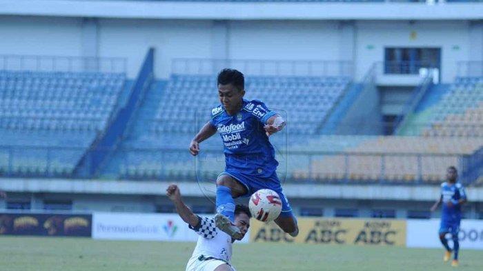 Piala Menpora 2021 Menjadi Kado Spesial Ulang Tahun untuk Pemain Sayap Persib Bandung Febri Hariyadi
