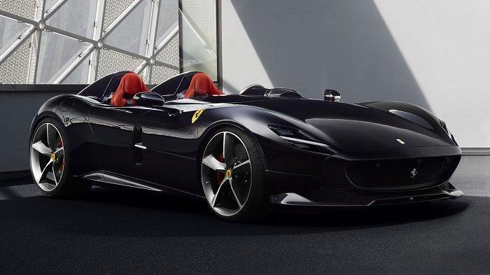 Cristiano Ronaldo Tambah Koleksi di Garasi, Membeli Mobil Sport Produksi Terbatas Ferrari Monza