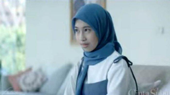 Adiba Khanza saat berakting di film Cinta Subuh. Rumah produksi Falcon Pictures merilis first look film Cinta Subuh, Minggu (11/4/2021).