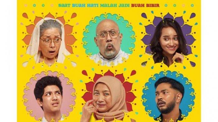 Film Keluarga Slamet mulai diproduksi Falcon Pictures pada pertengahan Agustus 2020. Cerita film Keluarga Slamet diadaptasi dari film Badhaai Ho yang laris di industri film Bollywood pada 2018.