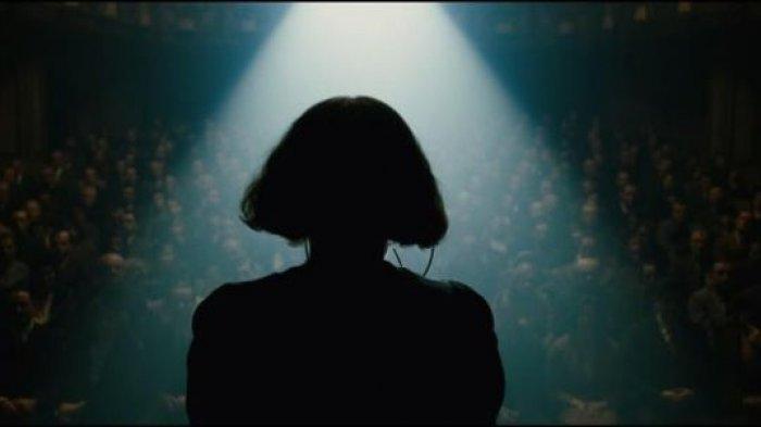 Film La Vie En Rose yang dibintangi Marion Cotillard ini memenangkan banyak penghargaan bergengsi di dunia film internasional, diantaranya mengantarkan Marion Cotillard menjadi aktris Prancis pertama yang meraih Piala Oscar sebagai Pemeran Utama Wanita Terbaik. Film La Vie En Rose adalah salah satu film yang diputar di My French Film Festival 2021 yang diputar di platform digital Klik Film.