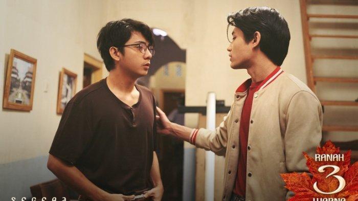 Arbani Yasiz, pemeran Alif Fikri, ketika berakting bersama Teuku Rassya di film Ranah 3 Warna garapan sutradara Guntur Soeharjanto. Film Ranah 3 Warna akan segera ditayangkan.