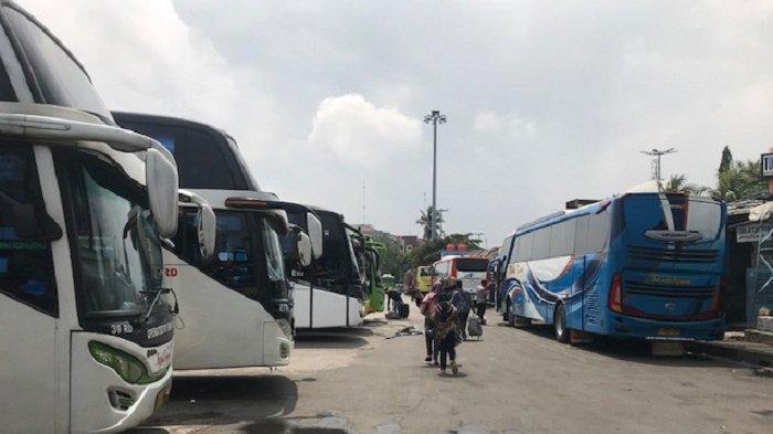 Tegal Lockdown, Bus dari Terminal Tanjung Priok Ngga Bisa Masuk Kota, Penumpang Turun di Pinggir Tol