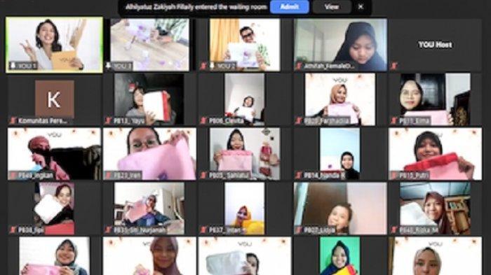 Puluhan Anggota Komunitas Perempuan Berkisah Berbagi Inspirasi bersama Brand kecantikan Y.O.U