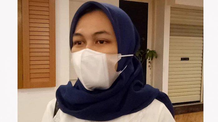 Fransiska Febriyanti (18), wanita asal Bekasi, Jawa Barat, merasa senang atas pembukaan bioskop pada hari ini.