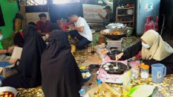 Front Persaudaraan Islam melalui Hilmi Kalimantan Selatan mendirikan posko dapur umum