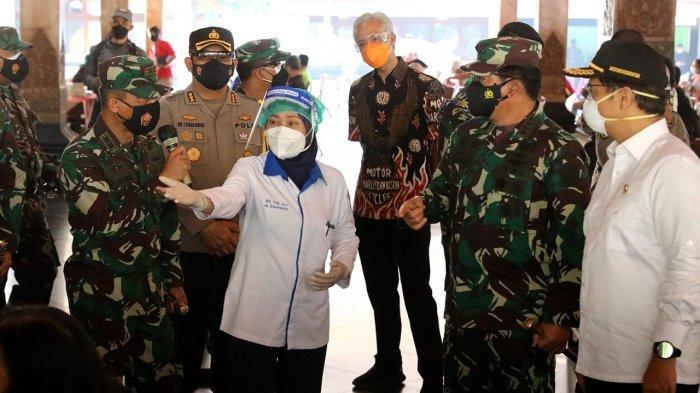 Ganjar Dampingi Menkes, Panglima TNI, dan Kapolri Tinjau Vaksinasi dan Gudang Obat di Surakarta