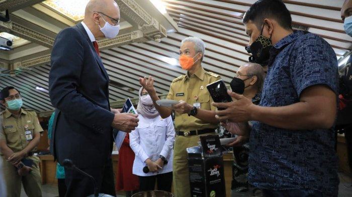 Produk Unggulan UKM Jateng Dipamerkan dalam Kunjungan Dubes Ceko ke Jawa Tengah