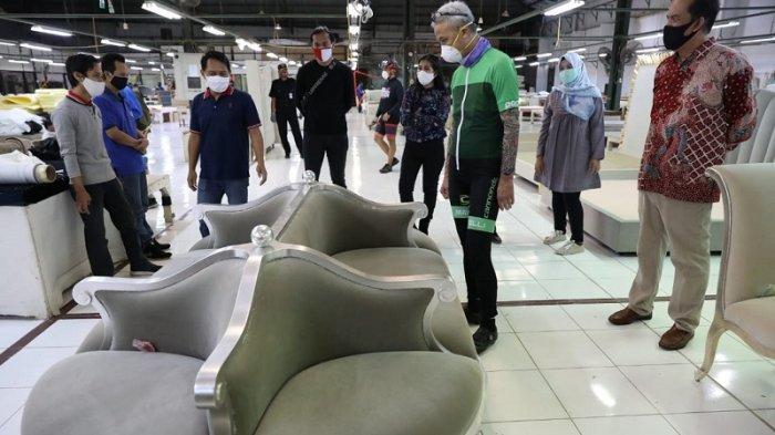 Sambangi Pabrik Furnitur Berorientasi Ekspor, Ganjar Cek Penerapan Protokol Kesehatan