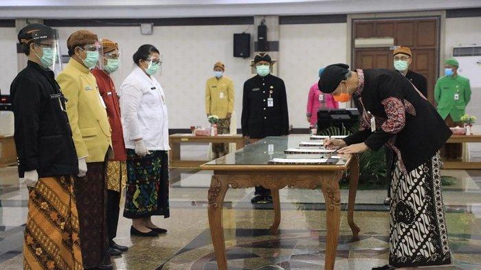 Lantik Ratusan Pejabat Fungsional, Ganjar Larang ASN Berafiliasi dengan Organisasi Terlarang