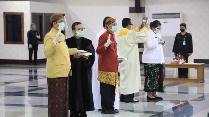 Gubernur Jawa Tengah Ganjar Pranowo melantik 840 pejabat fungsional Pemprov Jateng di Gedung Gradhika Bhakti Praja, Kamis (11/2/2021).