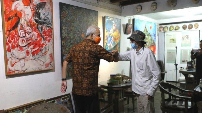Bahas Rencana Pengembangan Kawasan Objek Wisata Candi Borobudur, Ganjar Datangi Seniman Gaek