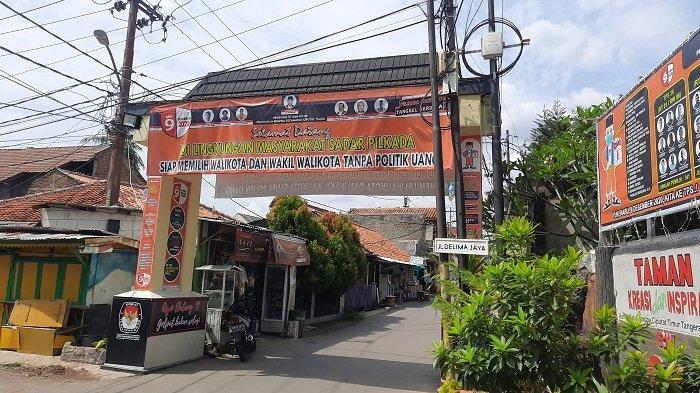 Warga Rempoa Berjibaku Rias Gapura Guna Berpartisipasi pada Perlombaan Pilkada 2020 Kota Tangsel