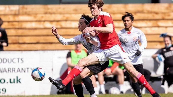 Pelatih Garuda Select Jilid III Dennis Wise Kritik Perfoma Timnya Saat Dikalahkan Swindon Town U-18