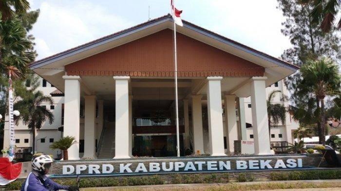 DPRD Kabupaten Bekasi Dinilai Lamban dalam Pemberhentian Bupati Bekasi Eka Supria Atmaja