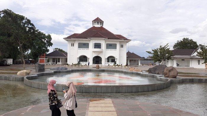 Gedung Juang 45 Tambun, Kabupaten Bekasi hampir selesai direvitalisasi. Gedung bersejarah itu menjadi 'Wajah baru' menjadi tempat wisata bagi warga Kabupaten Bekasi.