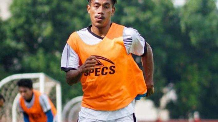 Hamsa Lestaluhu berlatih bersama Bhayangakara.