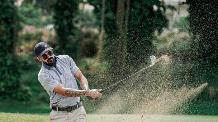 Libur Latihan, Gelandang Persebaya Aryn Williams Main Golf dan Keliling Indonesia