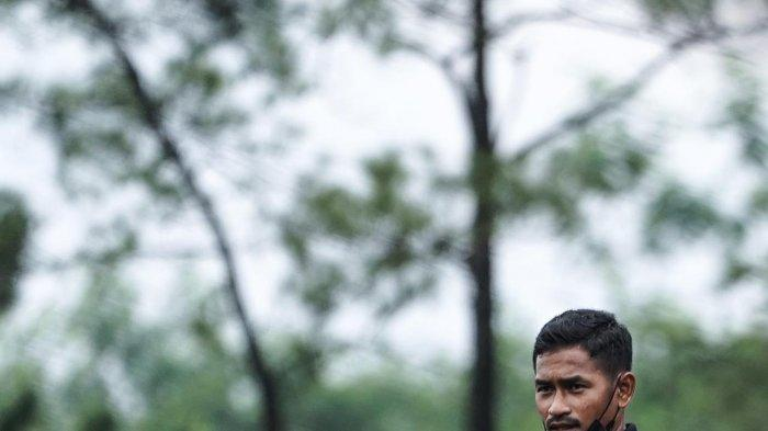 Asah Ilmu Kepelatihan, Gelandang Persija Ramdani Lestaluhu Latih Persija Soccer School